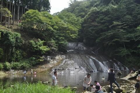 2栗又の滝 (640x425).jpg